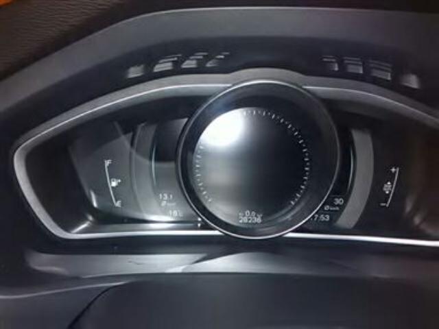 Foto 6 Volvo V40 D2 Momentum 85kW (115CV)