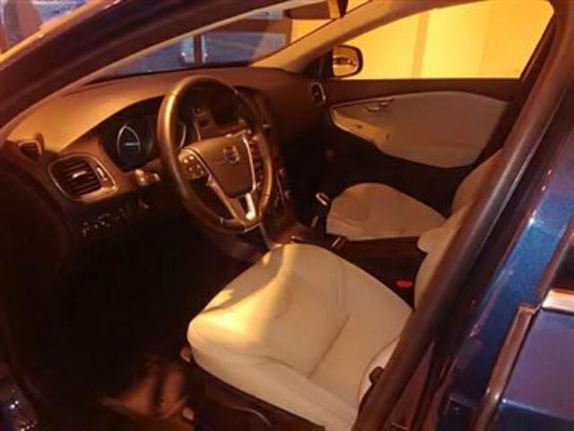 Foto 2 Volvo V40 D2 Momentum 85kW (115CV)