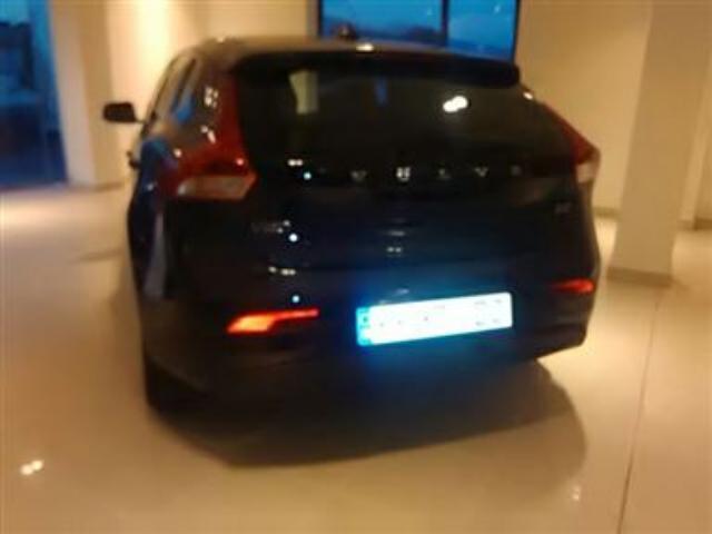 Foto 4 Volvo V40 D2 Momentum 85kW (115CV)