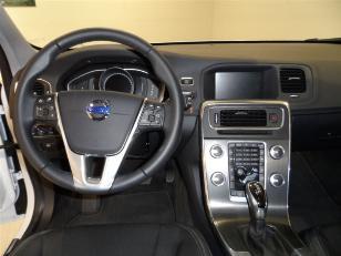 Foto 4 de Volvo V60 Cross Country 2.0 D4 Momentum 140kW (190CV)