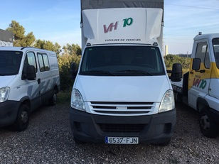Caja Cerrada Iveco Daily 35 C 15 3450 RD 107kW (146CV)  de ocasion en Tarragona