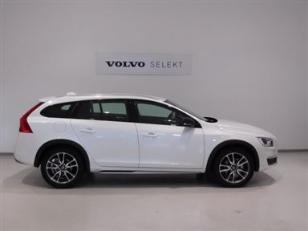 Foto 2 de Volvo V60 Cross Country 2.4 D4 AWD Momentum Auto 140kW (190CV)