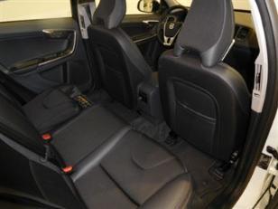 Foto 4 de Volvo V60 Cross Country 2.4 D4 AWD Momentum Auto 140kW (190CV)