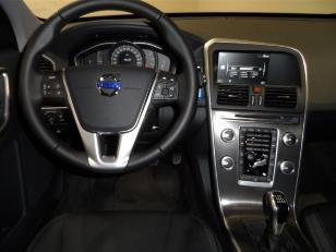 Foto 4 de Volvo XC60 2.0 D3 Momentum Auto 110 kW (150 CV)