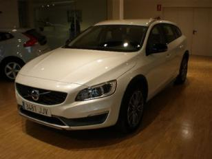 Foto 2 de Volvo V60 Cross Country 2.0 D4 Momentum 140kW (190CV)