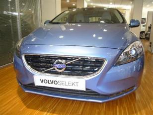 Foto 2 de Volvo V40 D3 Momentum 110 kW (150 CV)