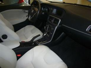 Foto 4 de Volvo V40 D3 Momentum 110 kW (150 CV)