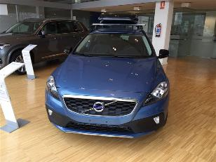 Foto 1 Volvo V40 Cross Country D2 Momentum 88 kW (120 CV)