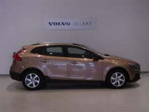 Foto 2 de Volvo V40 Cross Country D2 Kinetic 88kW (120CV)