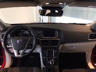 Foto 1 de Volvo V40 Cross Country 2.0 D3 Momentum Auto 110kW (150CV)