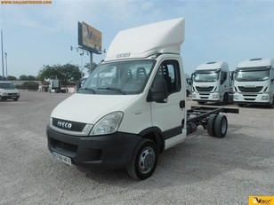 Foto Iveco Daily Chasis 35C 107kW (146CV)