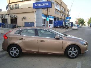 Foto 2 de Volvo V40 D3 Momentum Auto 110kW (150CV)