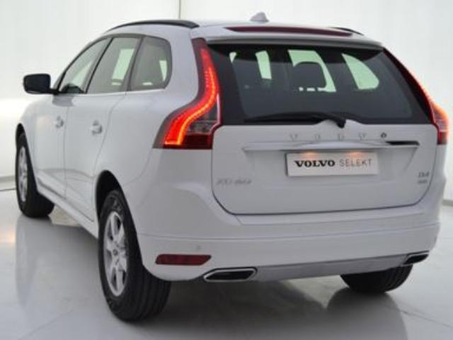 Foto 3 Volvo XC60 2.4 D4 AWD Momentum Auto 140kW (190CV)
