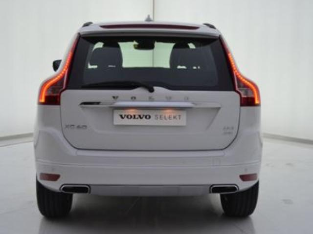 Foto 4 Volvo XC60 2.4 D4 AWD Momentum Auto 140kW (190CV)