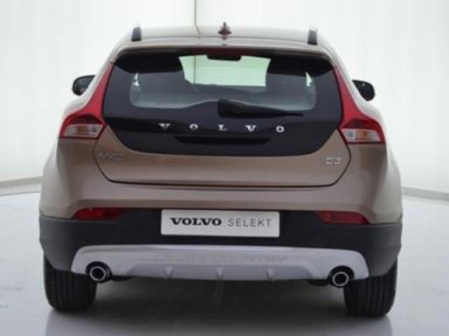 Foto 5 Volvo V40 Cross Country 2.0 D3 Momentum Auto 110kW (150CV)