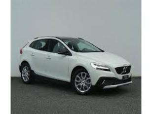 Foto 1 de Volvo V40 Cross Country D2 Momentum 88 kW (120 CV)