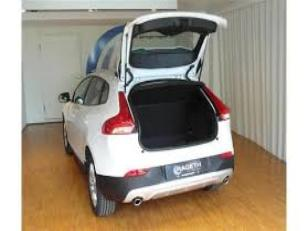 Foto 2 de Volvo V40 Cross Country D2 Momentum 88 kW (120 CV)