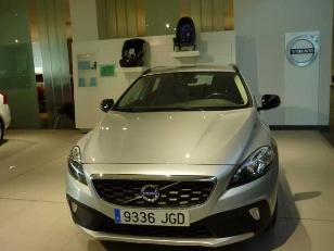Foto 2 de Volvo V40 Cross Country 2.0 D2 Momentum 88kW (120CV)