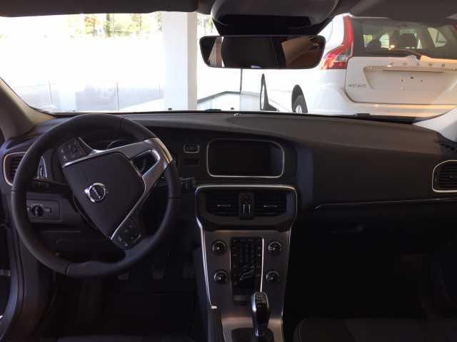 Foto 6 Volvo V40 2.0 D2 Momentum 88kW (120CV)