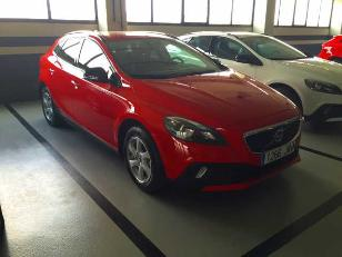 Foto 1 Volvo V40 Cross Country 2.0 D2 Momentum 88kW (120CV)