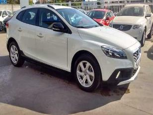 Foto 2 de Volvo V40 Cross Country D2 Momentum 85kW (115CV)
