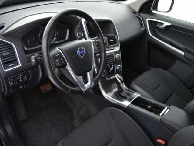 Foto 5 Volvo XC60 2.0 D3 Momentum Auto 100kW (136CV)