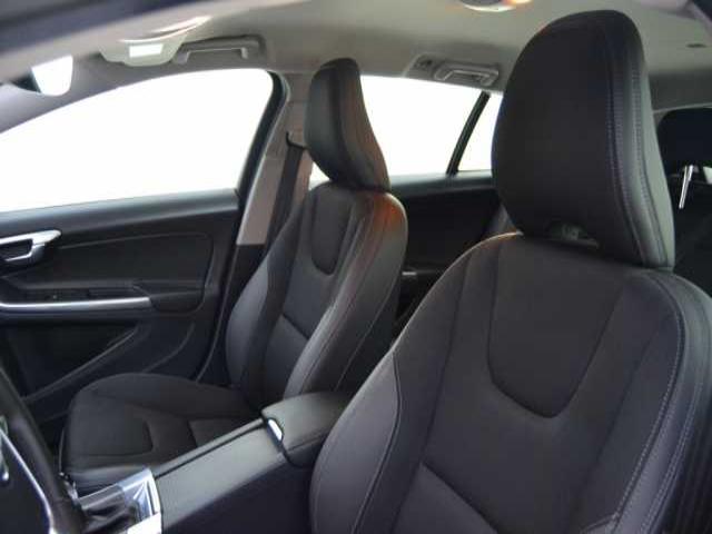 Foto 4 Volvo V60 D3 Momentum Auto 110kW (150CV)