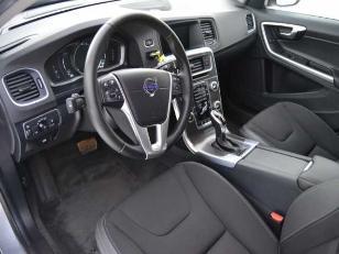 Foto 4 de Volvo V60 D3 Momentum Auto 110kW (150CV)