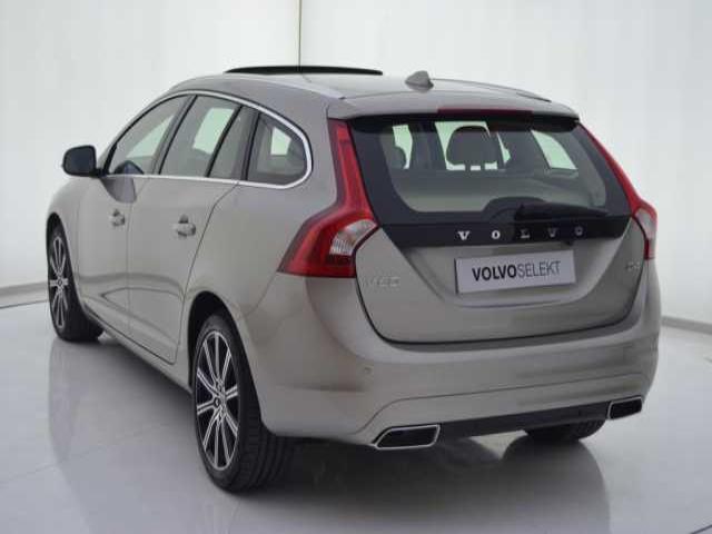 Foto 2 Volvo V60 2.0 D4 Summum Autom. 140kW (190CV)