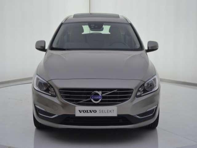 Foto 6 Volvo V60 2.0 D4 Summum Autom. 140kW (190CV)