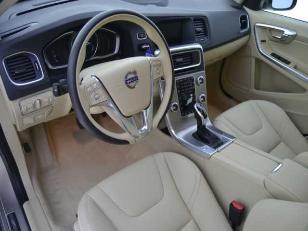 Foto 4 de Volvo V60 2.0 D4 Summum Autom. 140kW (190CV)