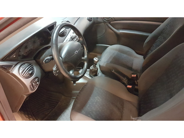 foto 9 del Ford Focus 1.8 TDdi Trend 66kW (90CV)