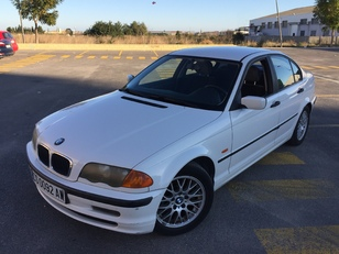 Foto 2 de BMW Serie 3 318i 87kW (118CV)