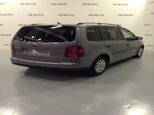 Foto 1 de Volkswagen Touran 1.9 TDI DPF Bluemotion Traveller 77 kW (105 CV)