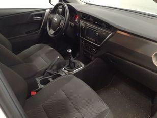 Foto 2 de Toyota Auris 2.0 120D Touring Sports Active 91 kW (124 CV)