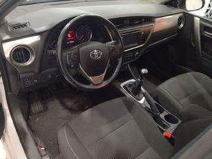 Foto 3 de Toyota Auris 2.0 120D Touring Sports Active 91 kW (124 CV)
