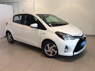 Toyota Yaris 1.5 Hybrid Active 74 kW (100 CV)  de ocasion en Barcelona