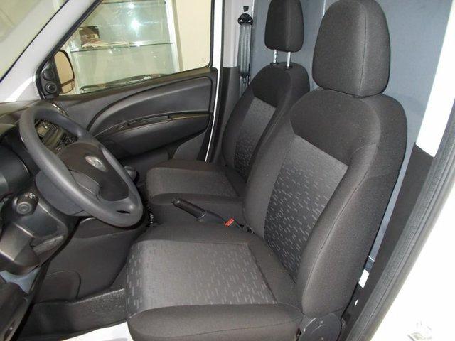 foto 11 del Opel Combo Cargo 1.6 CDTI L2 H1 Incrementado 77 kW (105 CV)