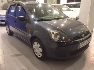Foto 1 de Ford Fiesta 1.3 Ambiente 51 kW (70 CV)