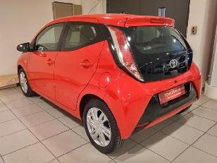 Foto 2 de Toyota Aygo 1.0 VVT-i x-play 51 kW (69 CV)