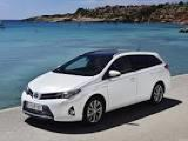 foto 4 del Toyota Auris Touring Sports 140H Feel! 100kW (136CV)