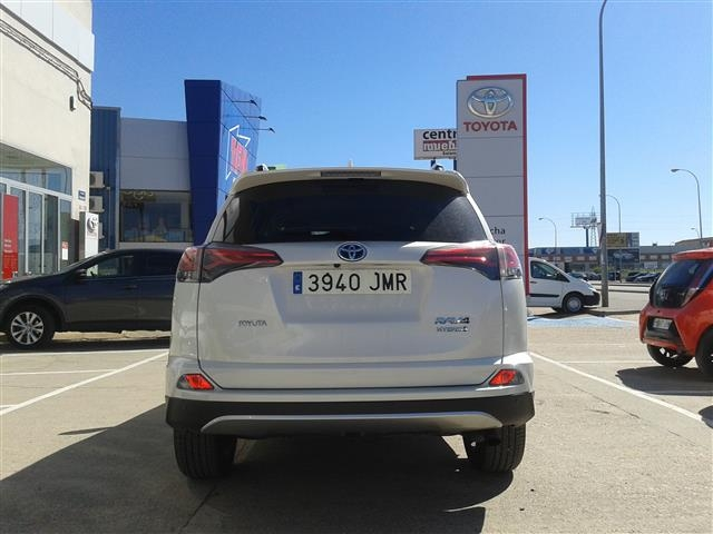 foto 6 del Toyota Rav4 2.5l hybrid 2WD Advance 145 kW (197 CV)