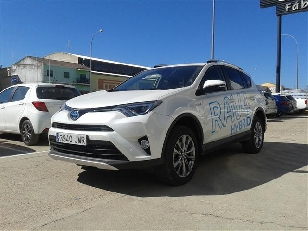 Toyota Rav4 2.5l hybrid 2WD Advance 145 kW (197 CV)  de ocasion en Salamanca