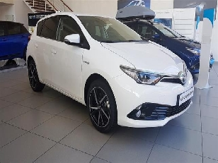 Toyota Auris 1.8 140H Hybrid Feel! 100kW (136CV)  de ocasion en Salamanca