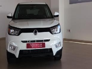 Foto 2 de Ssangyong Tivoli D16T Premium 4x2 85 kW (115 CV)