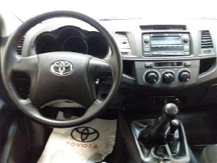 Foto 4 de Toyota Hilux 2.5 D-4D Doble Cabina GX 4x4 106kW (144CV)