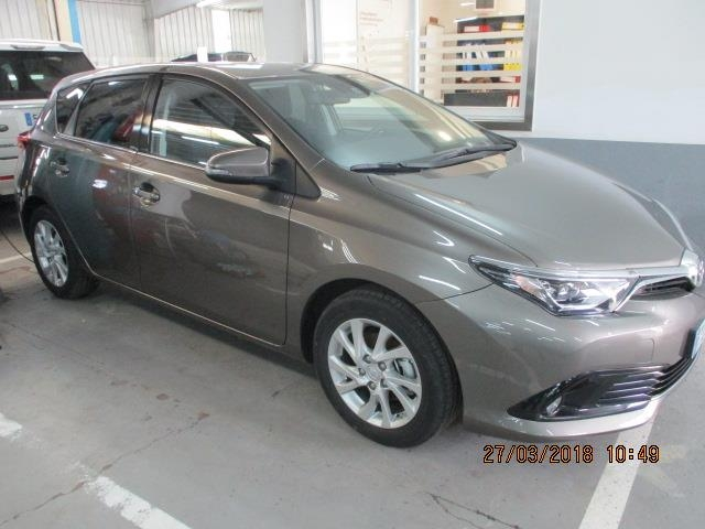 Foto 1 Toyota Auris 90D Feel! 66 kW (90 CV)