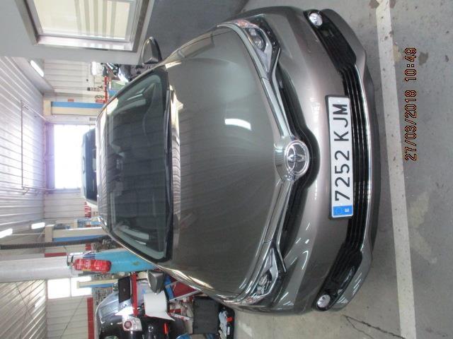 Foto 3 Toyota Auris 90D Feel! 66 kW (90 CV)