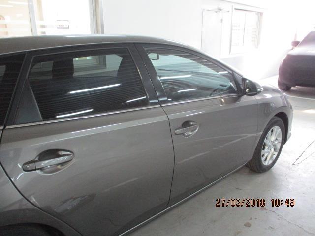Foto 4 Toyota Auris 90D Feel! 66 kW (90 CV)