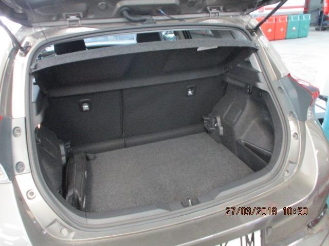 Foto 6 Toyota Auris 90D Feel! 66 kW (90 CV)